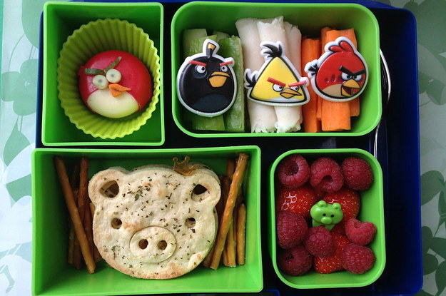 this-mum-makes-the-most-amazing-lunchbox-art-for--2-20375-1398266410-1_dblbig